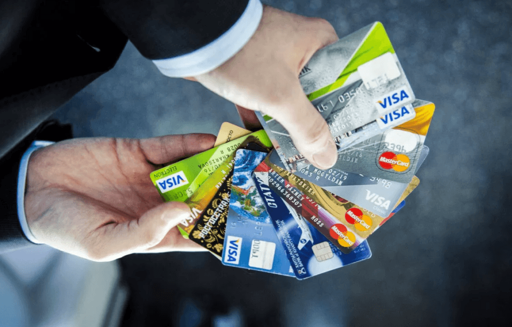 Банковские карты и их классификации